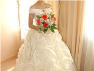 Свадебное платье, Цвета шампань, 42-44 Пышное свадебное платье цвета шампань. Размер 42-44, на корсете, сзади шнуровка. В комплекте: фата, перчатки до, Ангарск - Свадебные платья