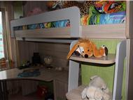 Барнаул: Уголок школьника, Стенку можно разместить по всей комнате. Рабочую зону (стол) можно перемещать в любом направлении, шкавчик под книги впишется в любо