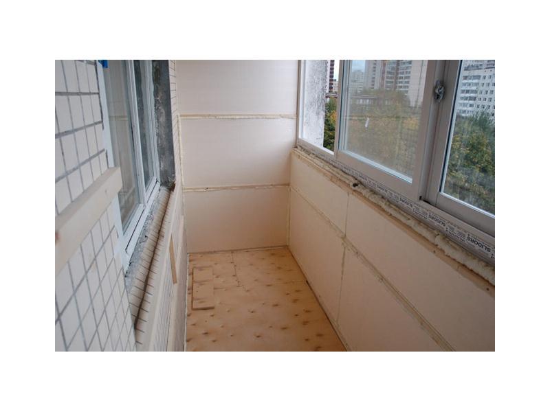 Наверняка вы хоть раз в жизни видели балкон в москве.
